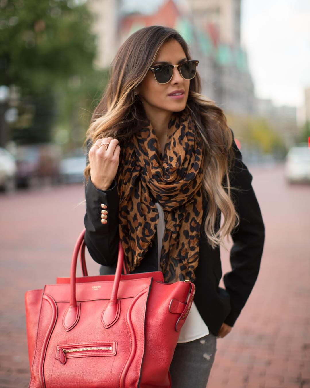 """I've been stocking up on fall scarves lately, but this leopard one from Zara will always be a favorite. #fallfashion #ootd #zara"""