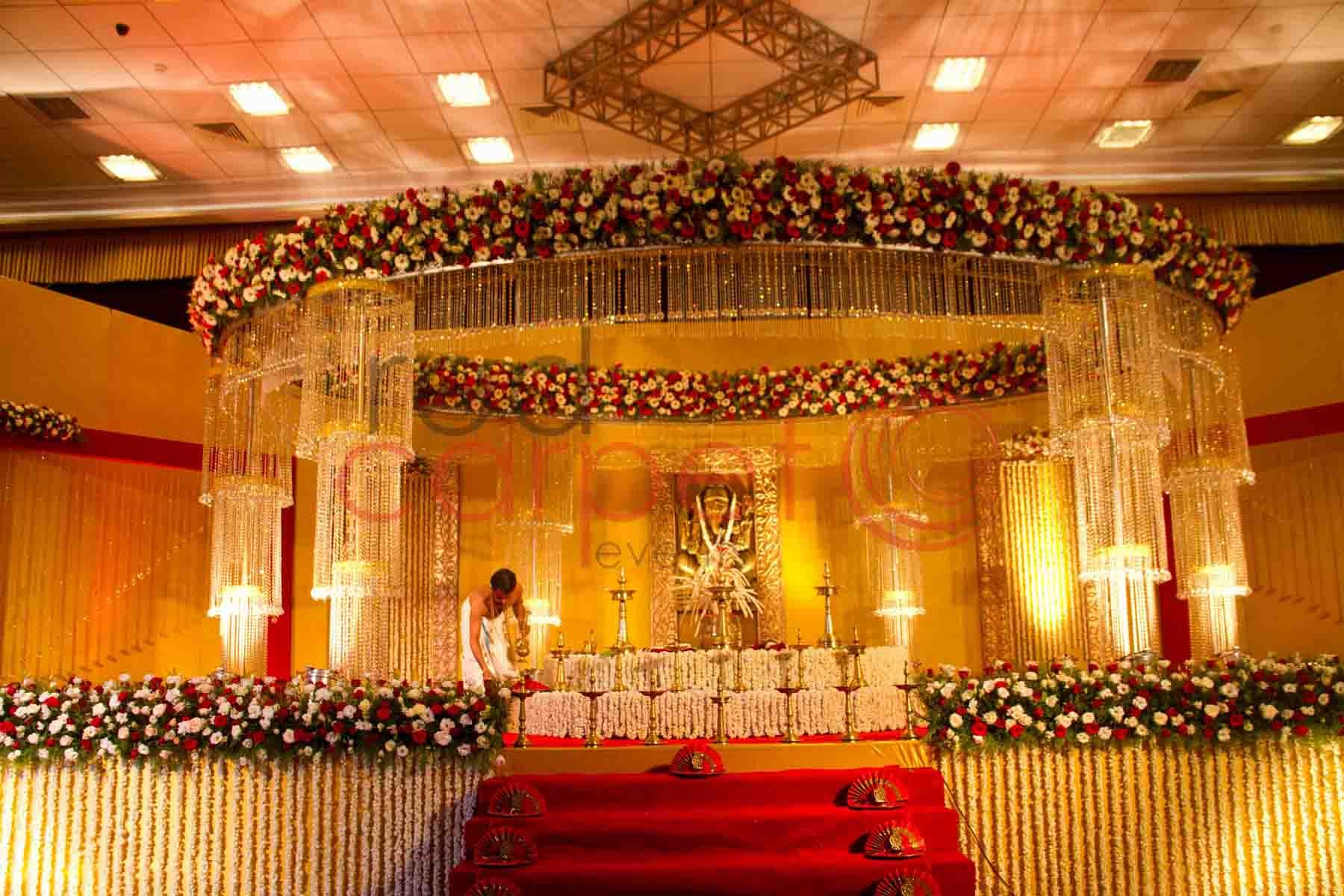 India wedding decor red carpet events wedding stages for Background decoration for indian wedding