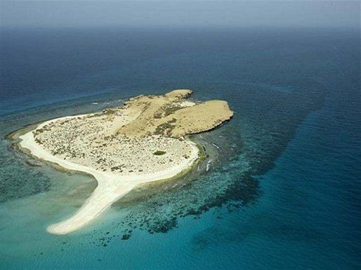 هل يهدد مشروع الجزر السعودية السياحة الخليجية في مصر كتبت صافي سليم منذ إعلان المملكة العربية السعودية الأسبوع الماضي عن مشروعاتها Outdoor Coastline Water