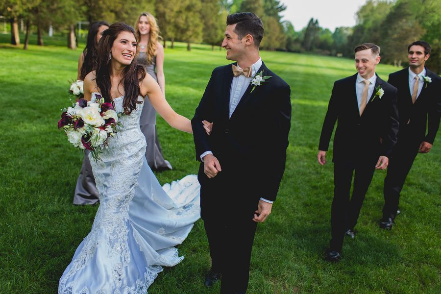 Alexandria and Aaron's wedding is easily one of the most effortlessly glamorous we've seen. With stunning gold details and the beautiful Wadsworth Mansion as a venue, it was picture per…