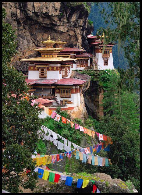 Prayer flags at Tiger's Nest Monastery in Paro, Bhutan (by druzi).