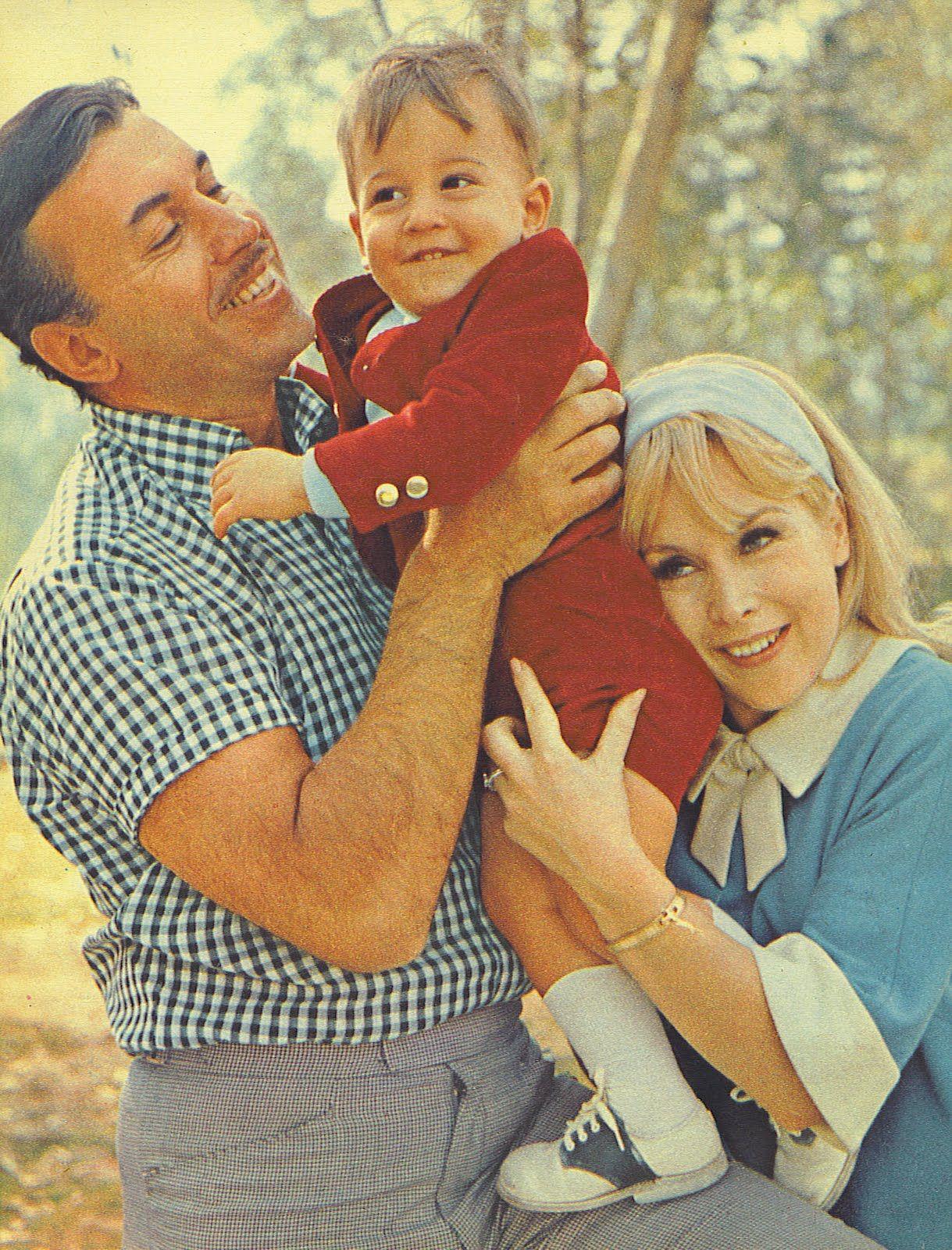 Resultado de imagen para barbara eden y su hijo matthew