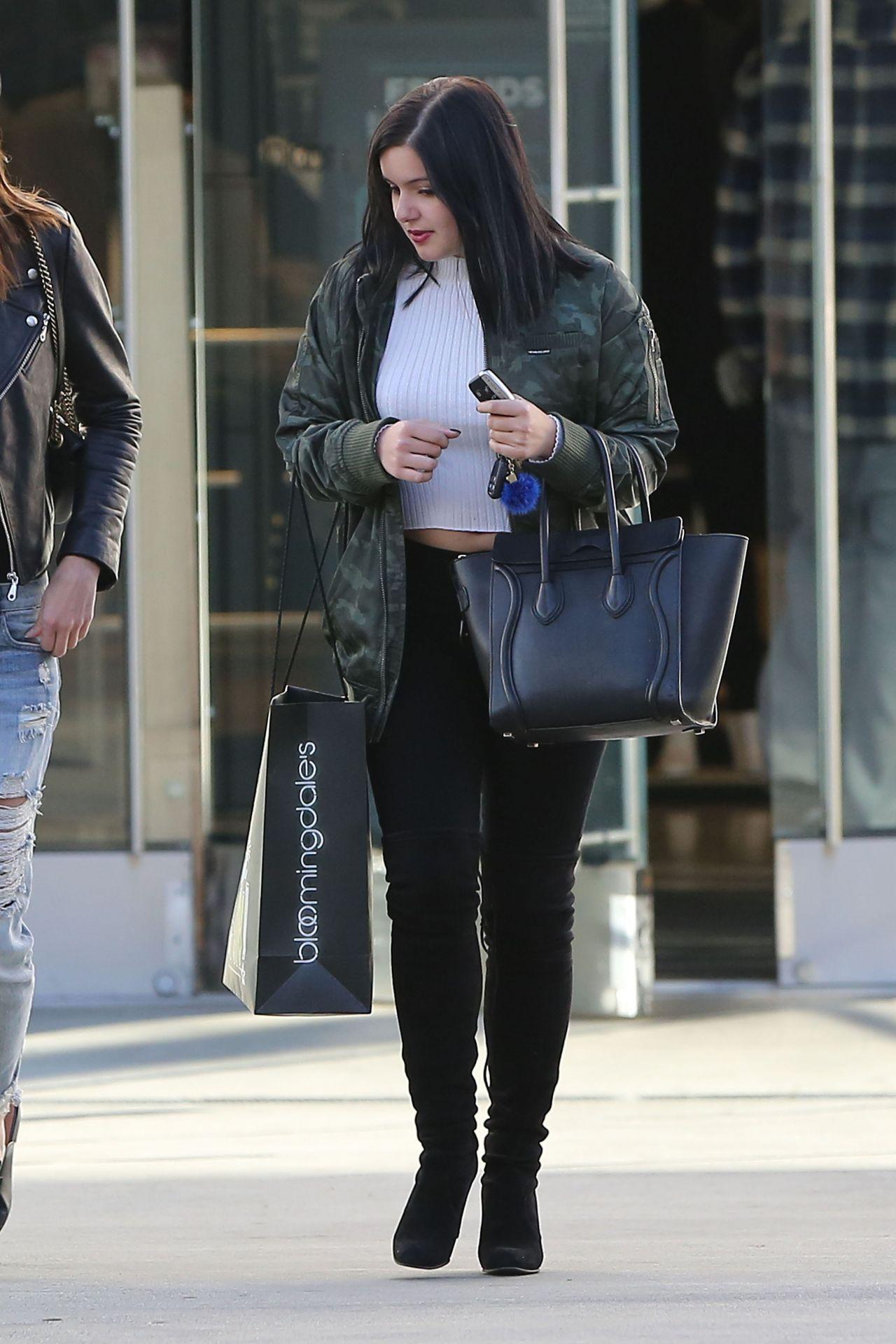 0ca3ec23fb4c Ariel Winter #ArielWinter Shopping at The Westfield Shopping Center in  Sherman Oaks Dec-2016 Celebstills A Ariel Winter