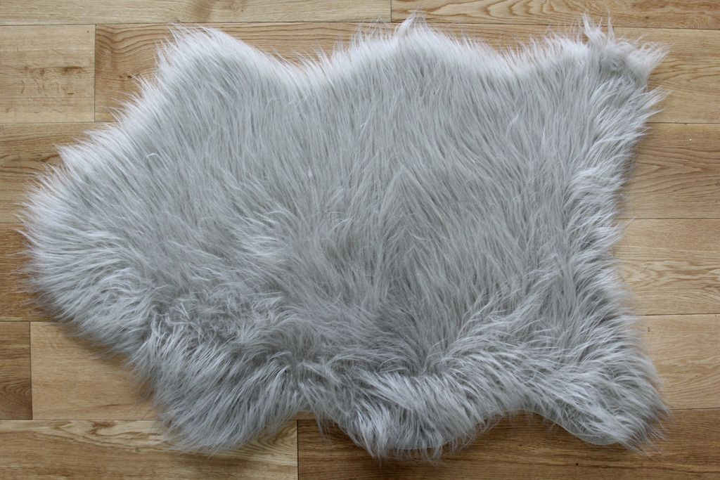 Faux Sheepskin Rug Silver Straight