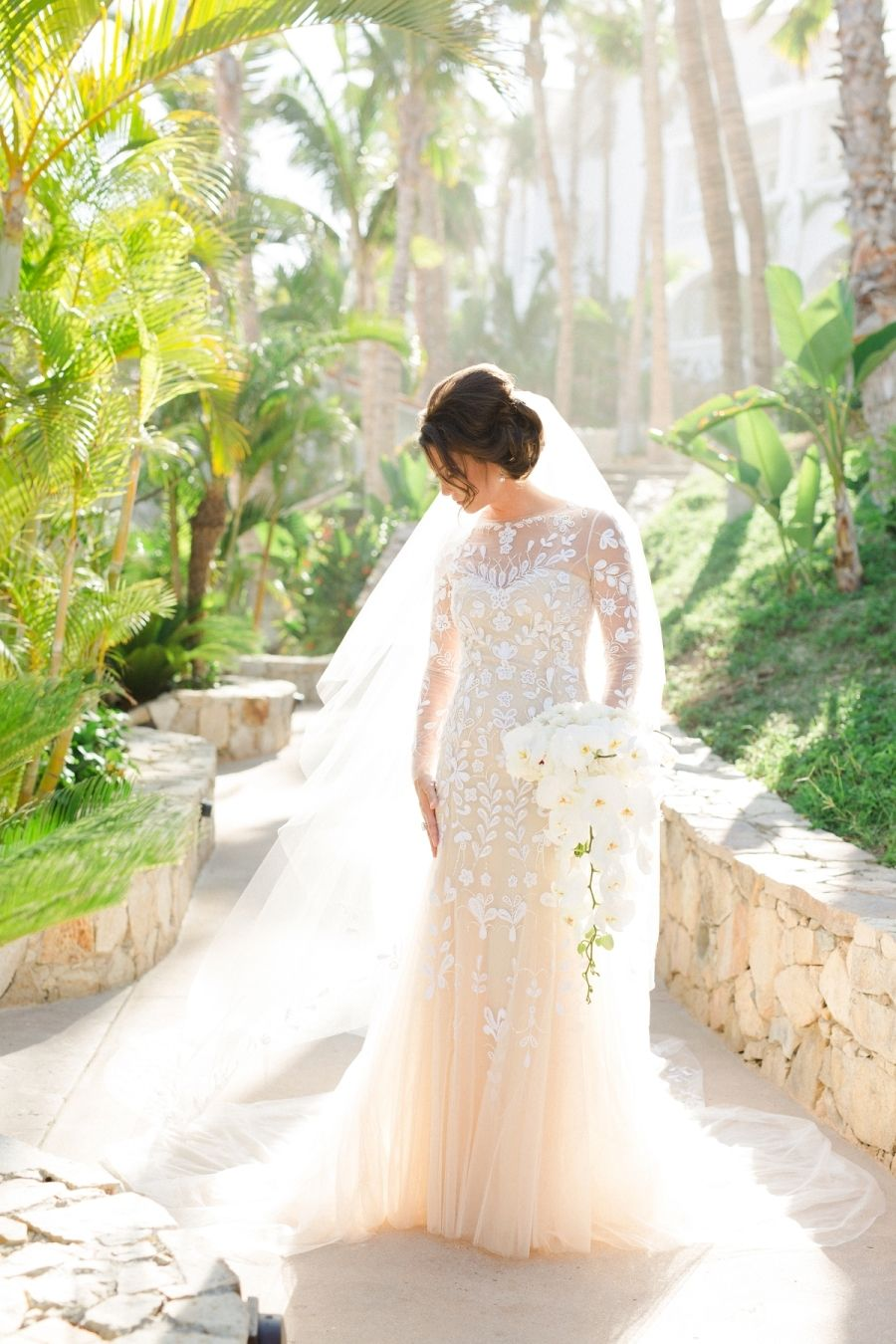 Dear readers, get ready to pick yourjaw up off the floor,because this#wedding is beyond gorg. For starters? The Bride woreCarolina Herreraand the ceremony?  #WeddingDress #WeddingPhoto