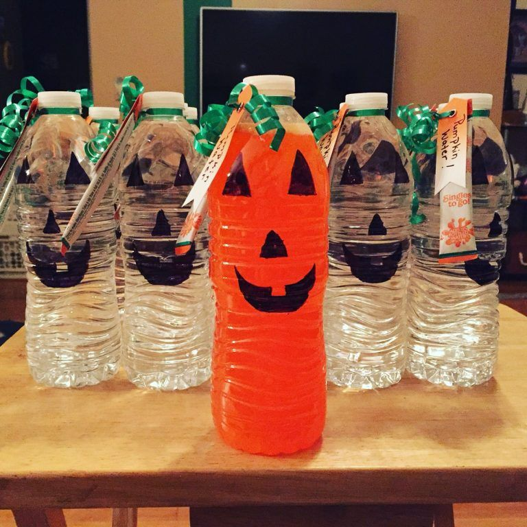 16 Easy & Healthy Halloween Treats For Your Classroom This Year #healthyhalloweentreats