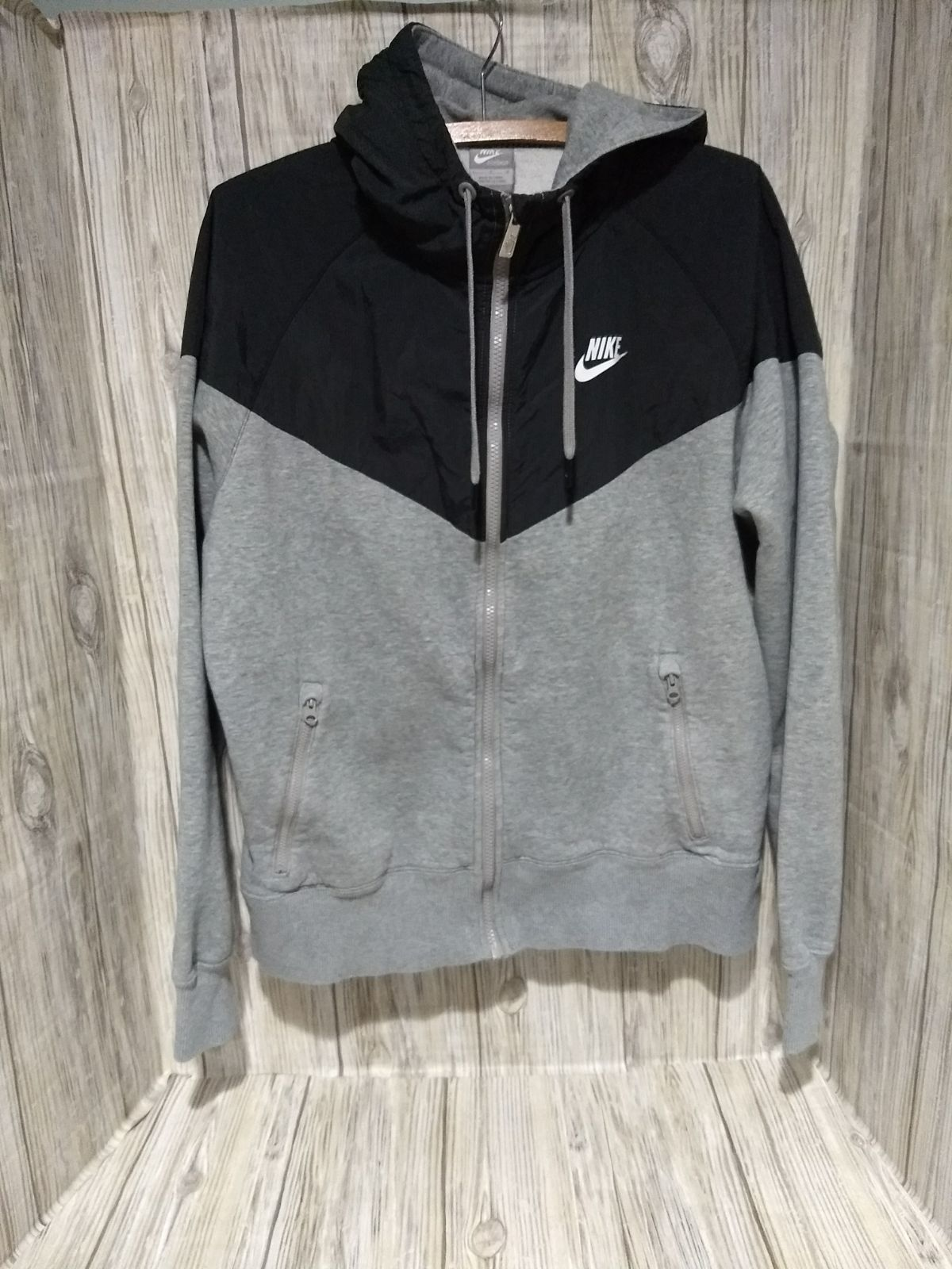 Nike Windrunner Gray and Black Full Zip-up Hoodie Jacket 502639-063 Mens  Size Large Preloved 2a5335c7a