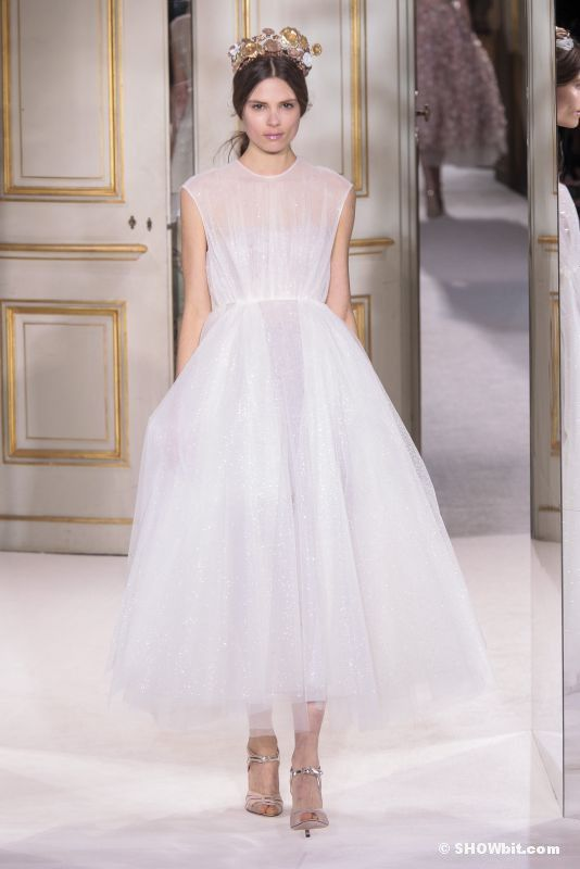 Giambattista Valli Wedding dress | Wedding Dress: Bride & Groom ...