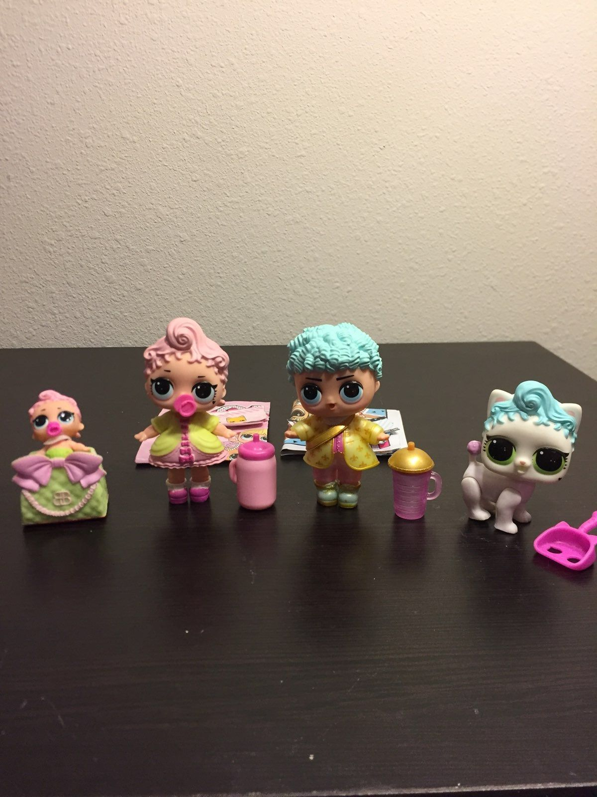 This Is The Lol Royal High Ney Family Includes The Royal Highney Girl Doll Boy Doll Lil And Pet Paper Work For The Girl And Boy Doll Girl Dolls Playset