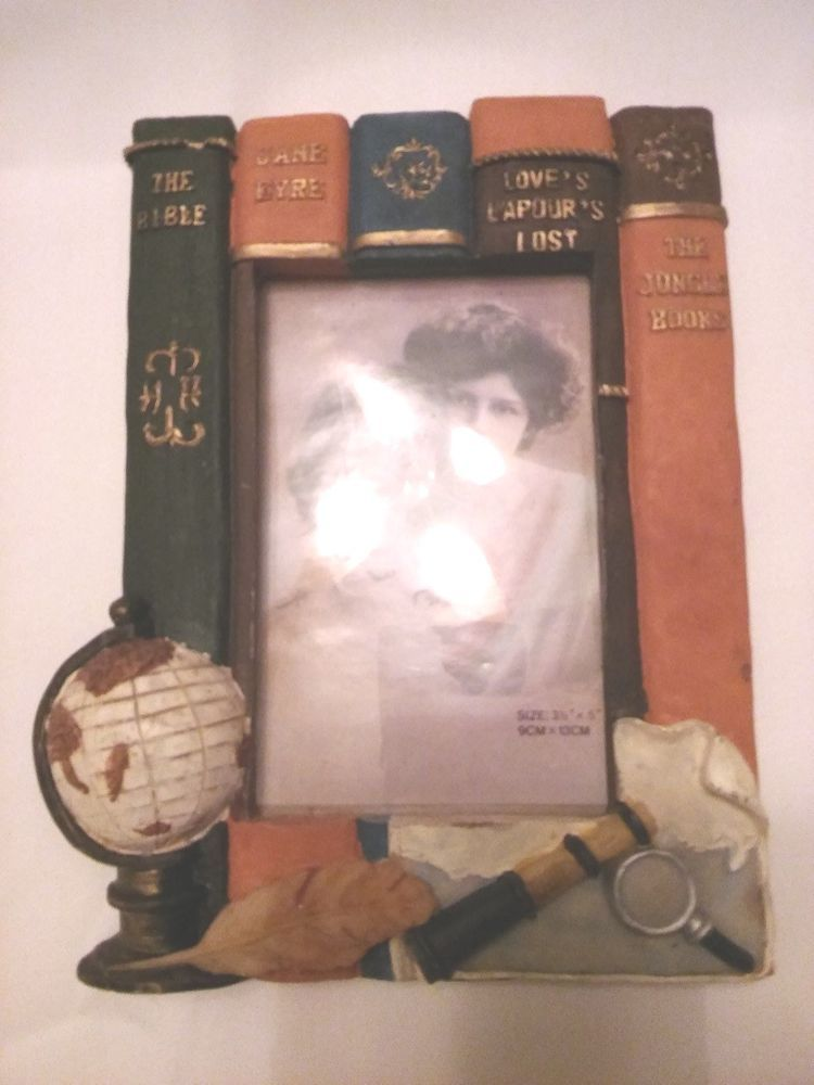 5feac889117e Picture Frame Looks Like VINTAGE BOOKS has Magnifying Glass