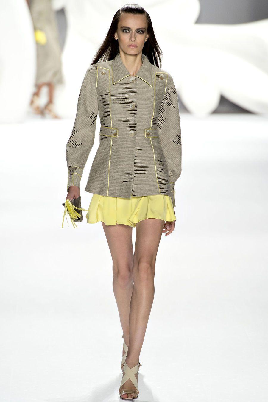 Carolina Herrera Spring 2013 Ready-to-Wear Fashion Show - Erjona Ala