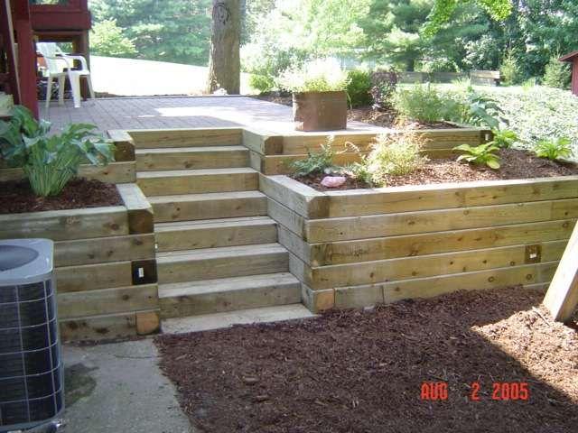 Pin de esmeralda zapparoli en fachadas patio garden y wood for Escalera de madera al aire libre precio