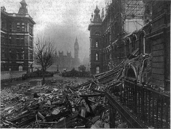 St Thomas S Bombed 1940 With Images London Bombings London
