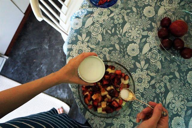 Kuiskauksia: Helppoa ja herkullista: Omena-luumupaistos