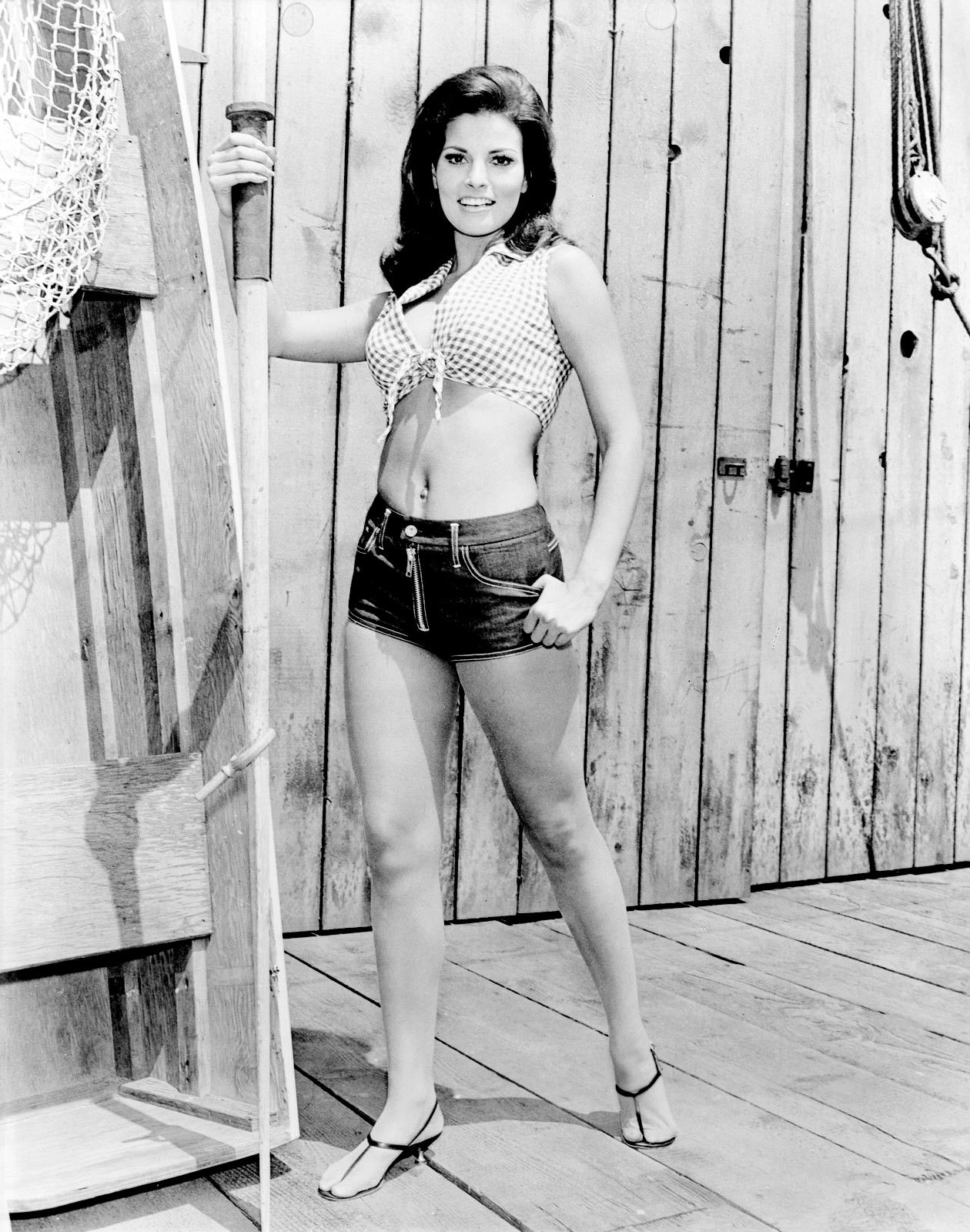 raquel welch in thunderball bond ambitions