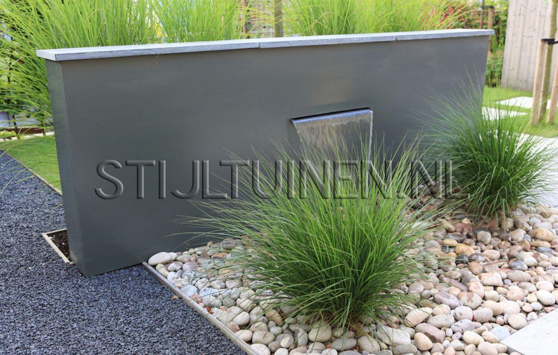 Onderhoudsvriendelijke tuin aan het water nieuwbouw tuin tuinontwerp tuinarchitecttuinontwerp en - Deco moderne tuin ...
