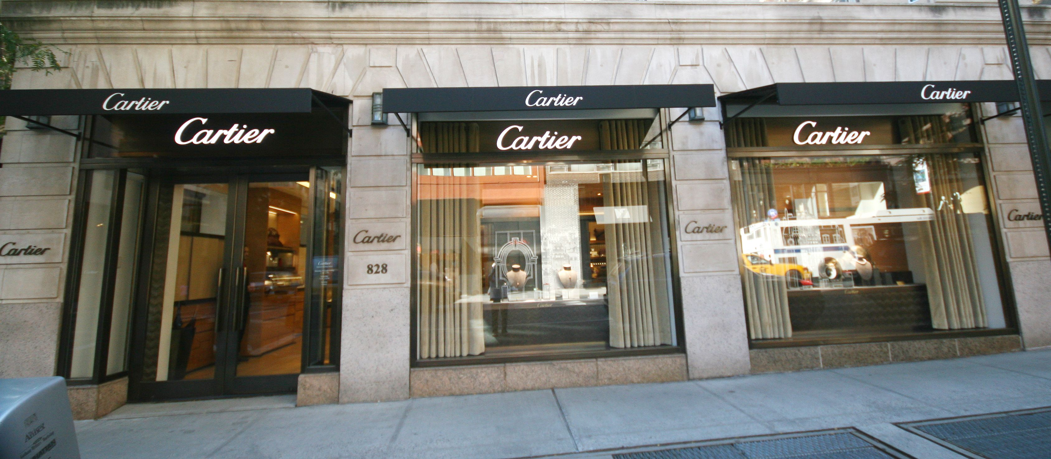 New Awnings New Look For Cartier S On 69th Street And Madison Avenue Nyc Designed And Fabricated By Hudson Awning Sign Co Madison Avenue Design Street