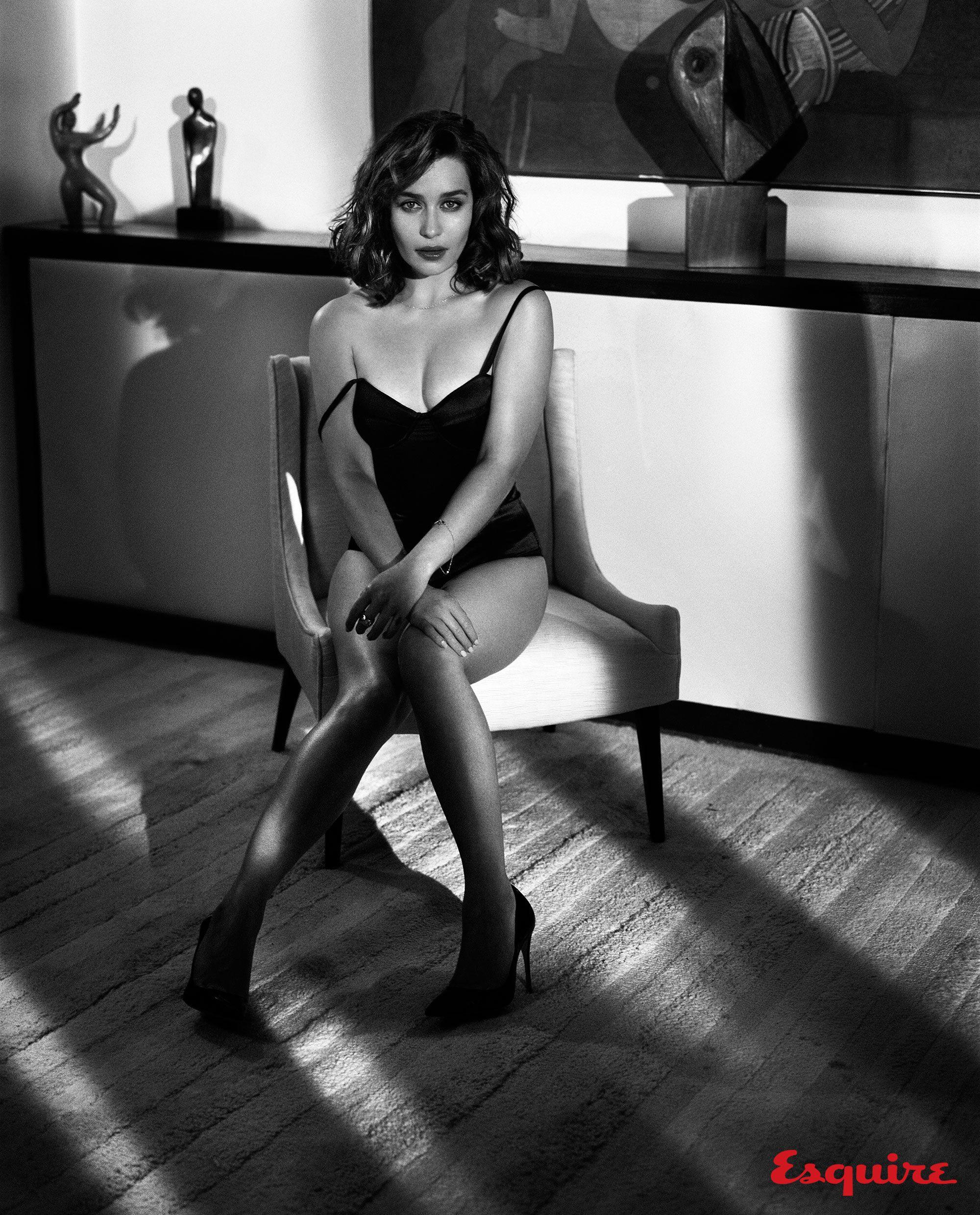 1000 images about emilia clarke on pinterest emilia - Hi Res Photos Of The Sexy Actress Emilia Clarke Daenerys Targaryen Mother Of Dragons