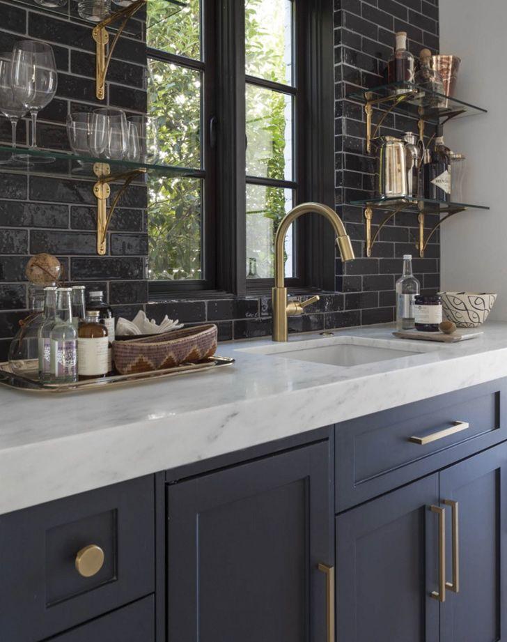 Break Out The Paint Blue Kitchens Are Tres Chic Right Now Kitchen Design Interior Design Kitchen Dark Blue Kitchens