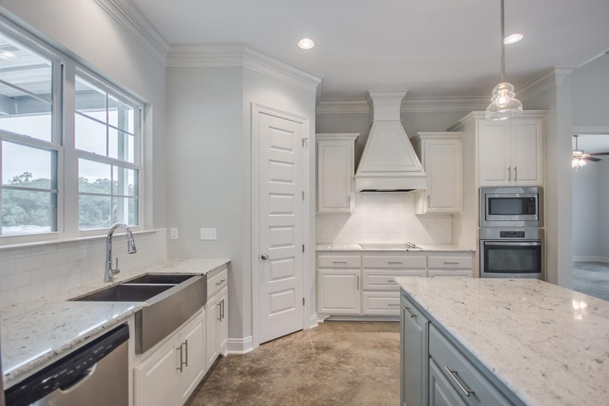 Photo Gallery New Homes In Lafayette La Manuel Builders Inexpensive Kitchen Remodel Cheap Kitchen Remodel Simple Kitchen Remodel