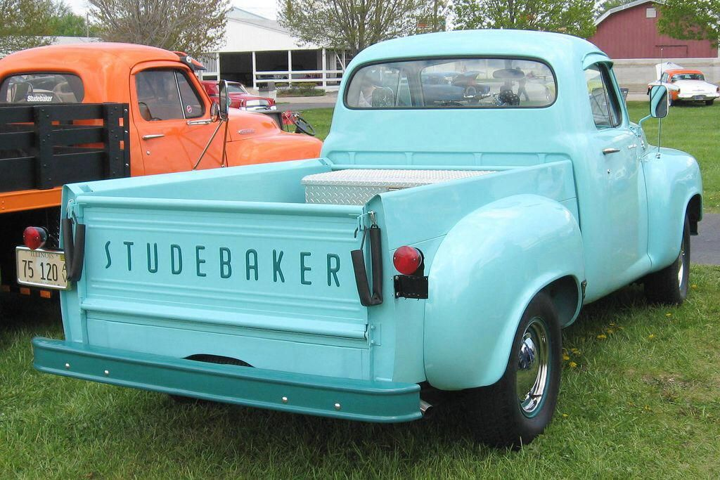 Jeeps And Trucks Pickuptrucks In 2020 Studebaker Trucks Studebaker Vintage Trucks