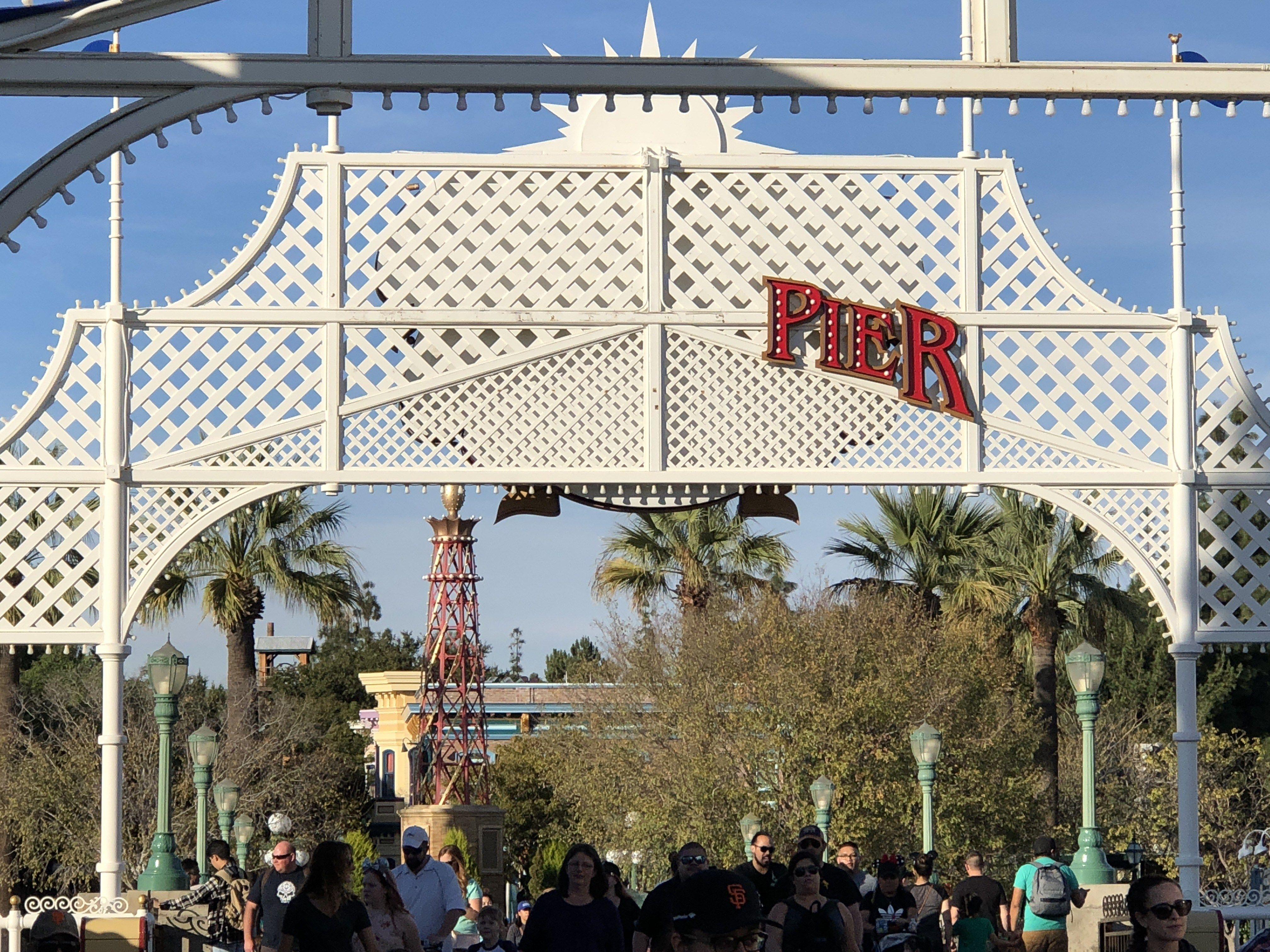 Disneyland Update 1/15/17 Featuring Main Street & Paradise Pier Refurbishments