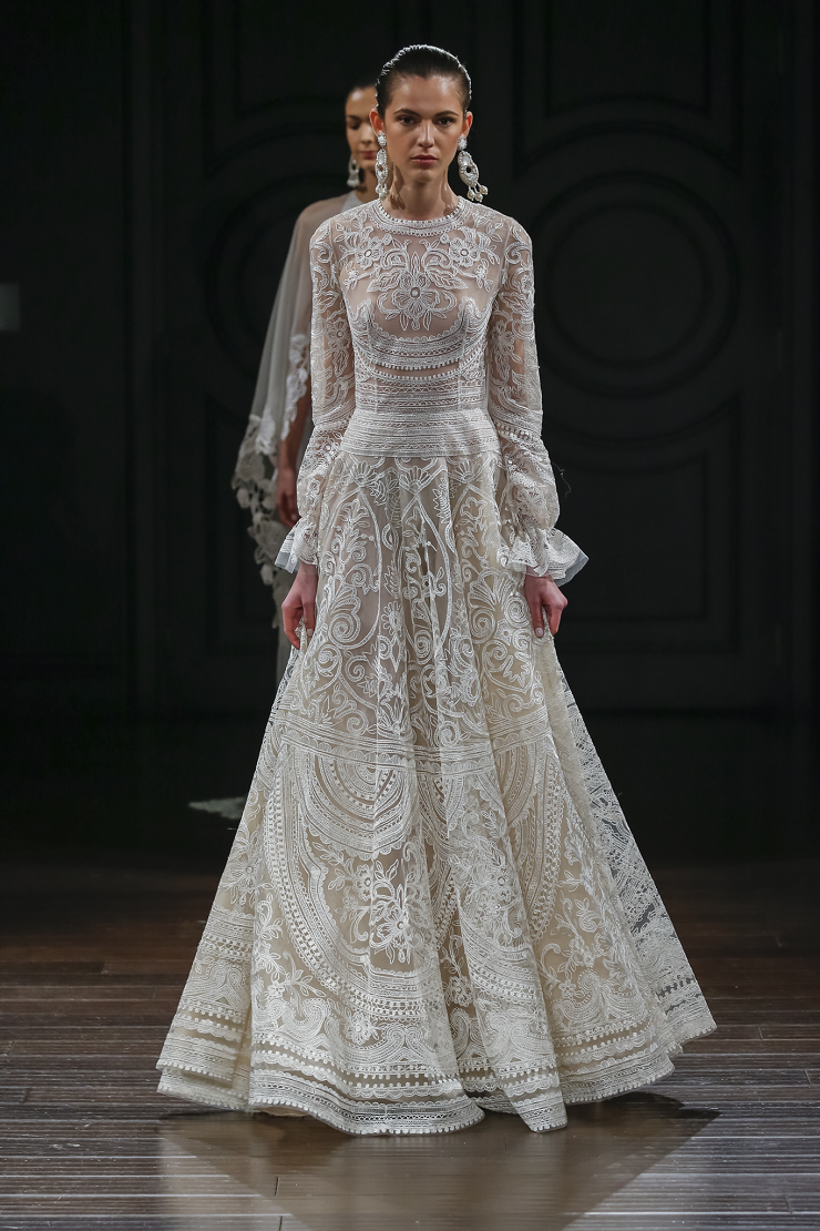Naeem Khan Wedding Dresses Spring 2017 | gown with gathered long sleeves | itakeyou.co.uk #wedding #weddingdress #weddingdresses #weddinggown #bridalgown