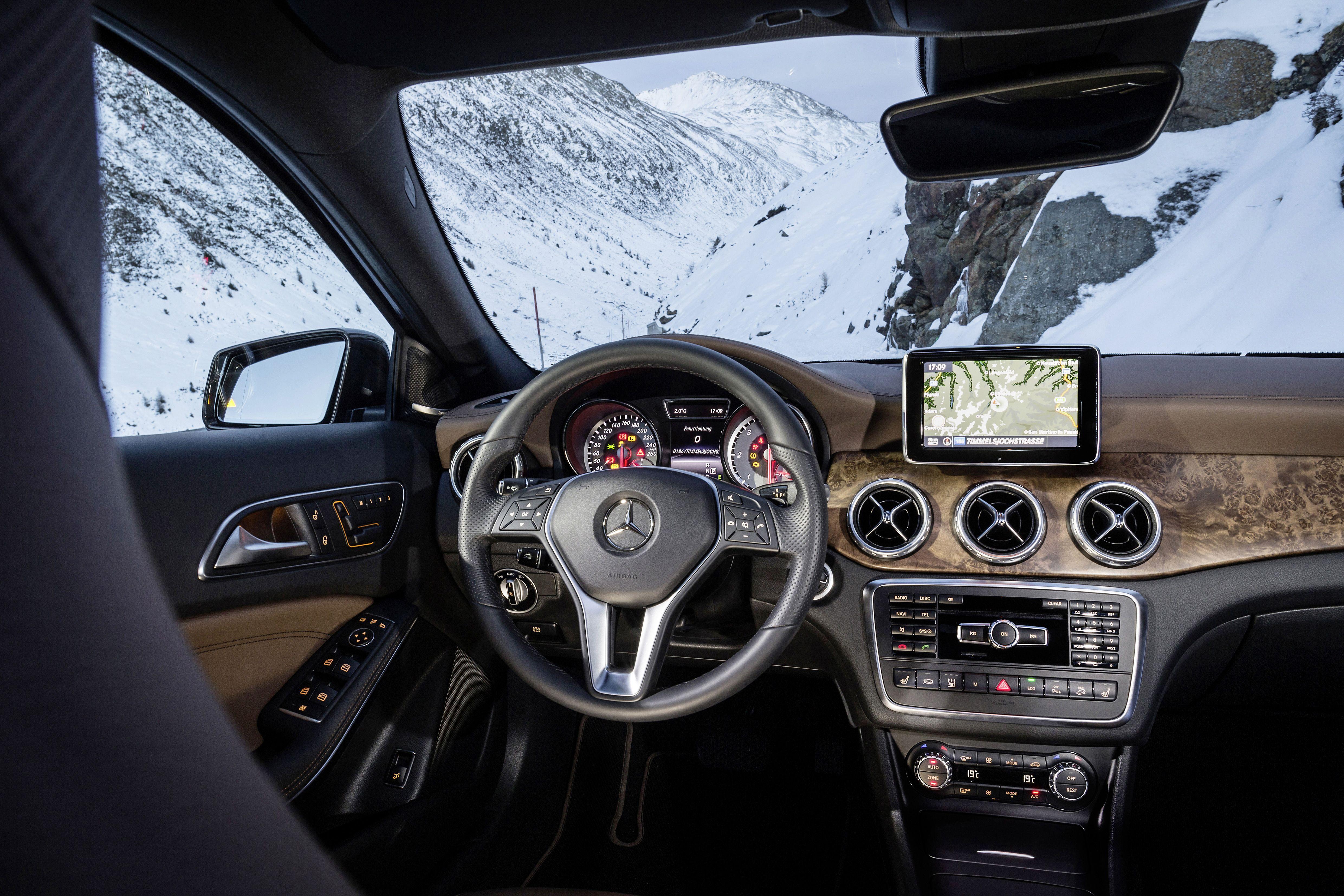 Mercedesbenz Gla 220 Cdi 4matic Interior Thebestornothing