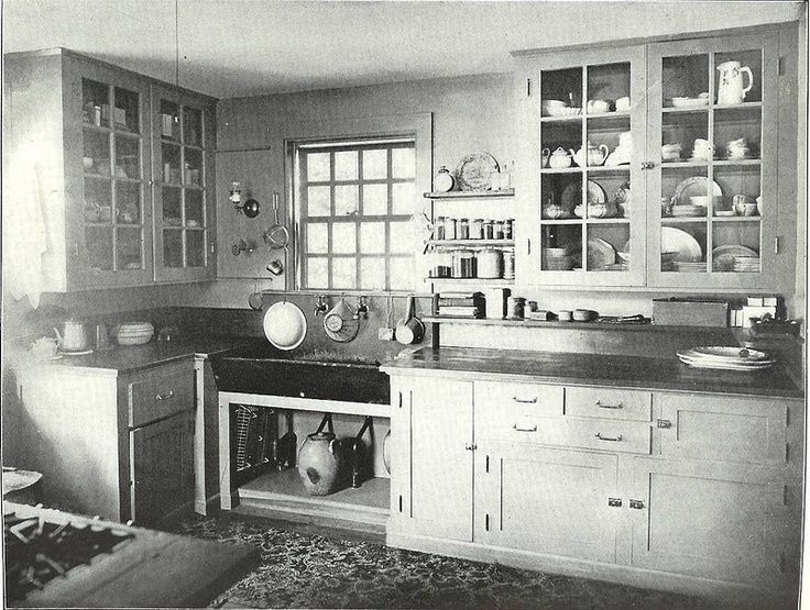 Ideas For A 1920s Kitchen If We Keep Things Period Appropriate 1920s Kitchen Bungalow Kitchen Old Kitchen
