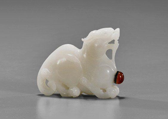 Carved White Jade Snuff Bottle : Lot 386