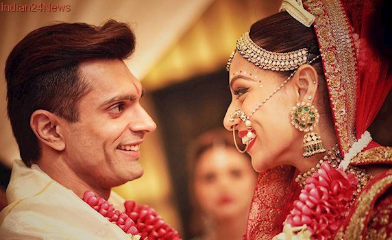 Age Gap Between Spouses May Affect Marriage Satisfaction Bollywood Wedding Indian Wedding Photography Celebrity Weddings