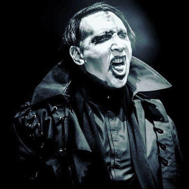 Craig Green Marilyn Manson Marilynmanson Heaven Upside Down Tour 2017 Opening Show Look Craig Green Laced Trench Marilyn Manson Marilyn Marylin Manson