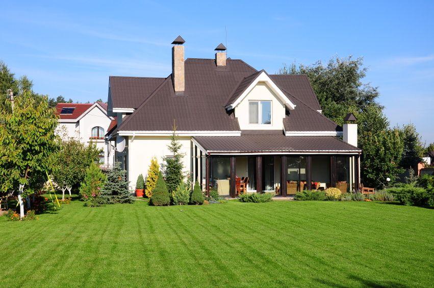 Fotos de fachadas de casas modernas com telhado aparente - Fachadas casas campo ...