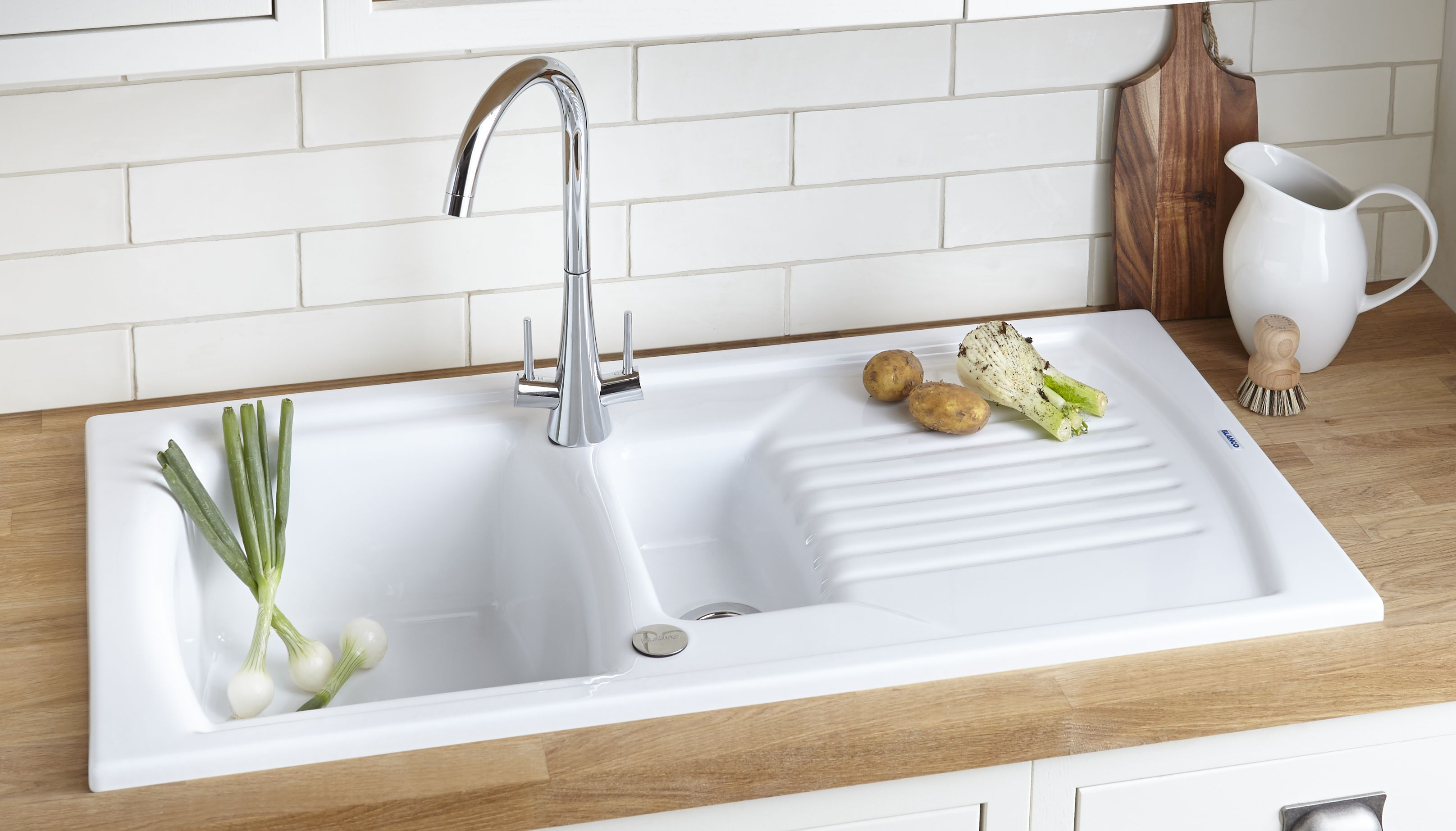 Small Kitchen Sink With Draining Board Di 2020 Desain Dapur