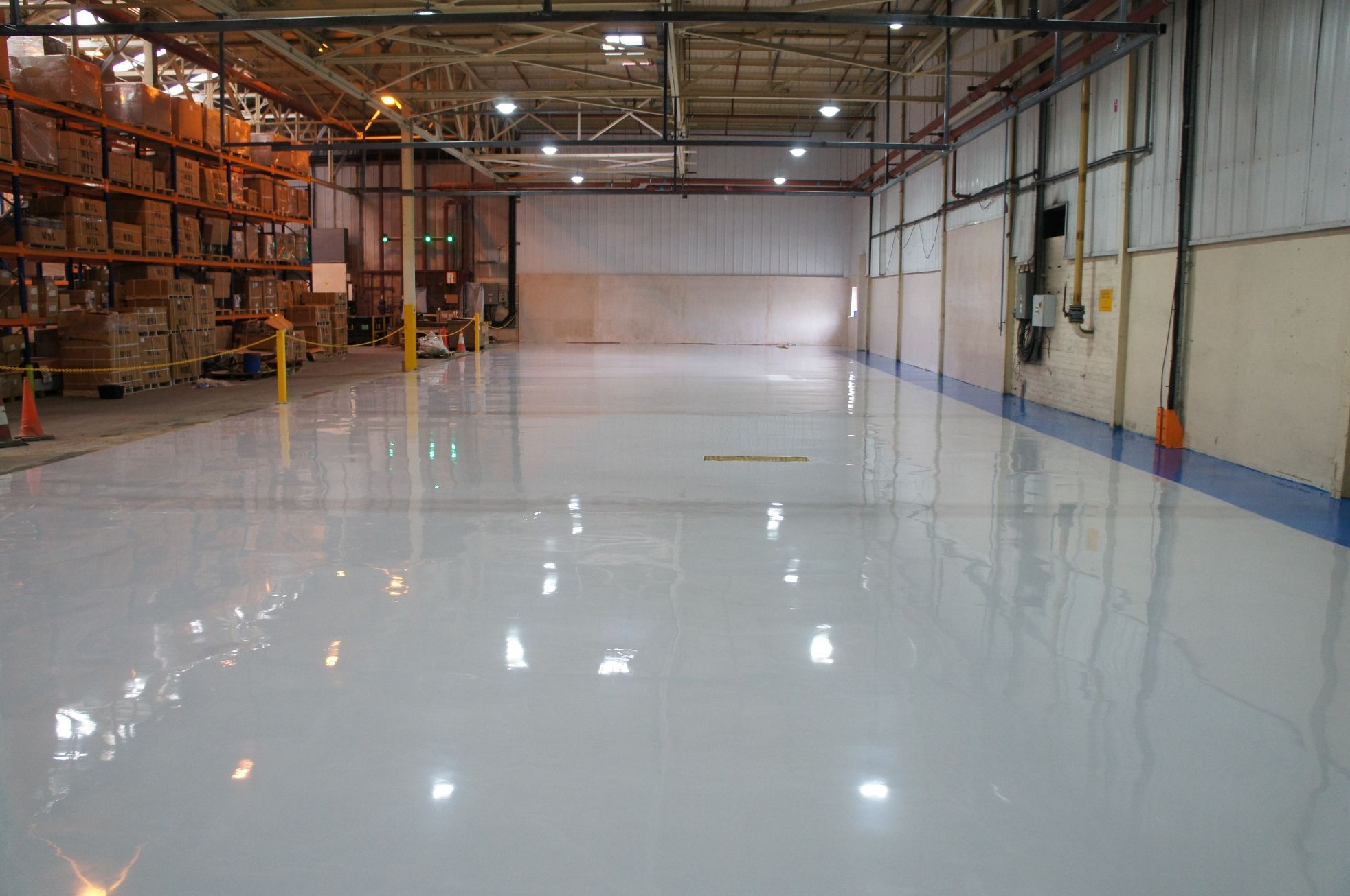 This installation of 550m² of altro Flow EP smooth, high