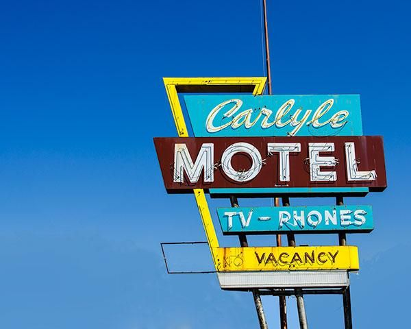 A Fine Art Photo Of The Carlyle Motel Neon Sign In Oklahoma City Oklahoma Neon Signs Vintage Neon Signs Fine Art Photo