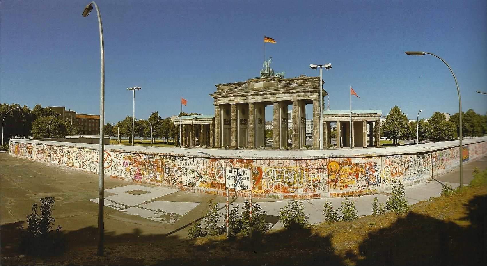 The Brandenburg Gate Seen From The Western Side Of The Berlin Wall During The Period Of Division Berlin Tour Cool Places To Visit History Of Germany