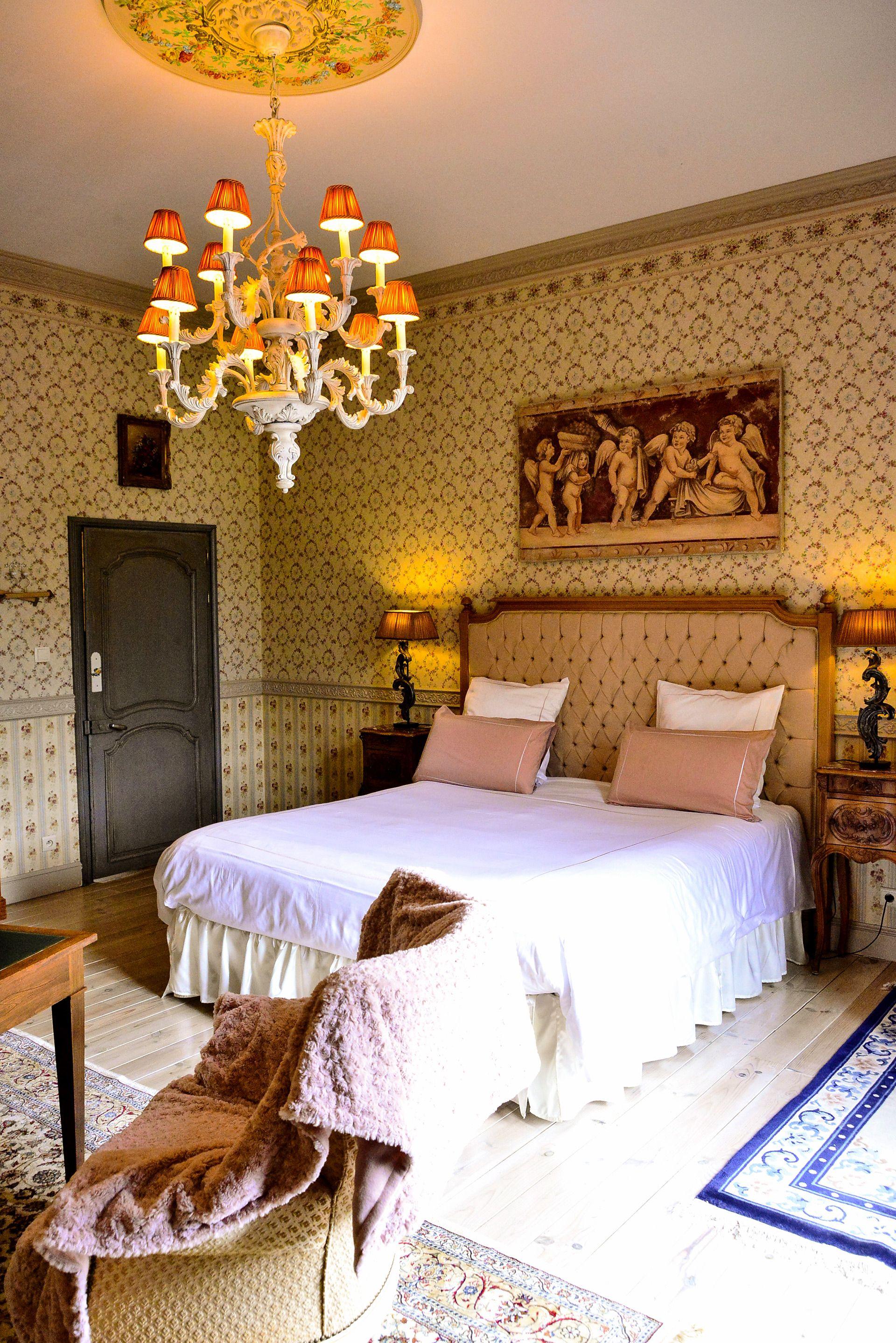 La Chambre De La Comtesse En 2020 Decoration Maison Chambre A Louer Chambre A Coucher