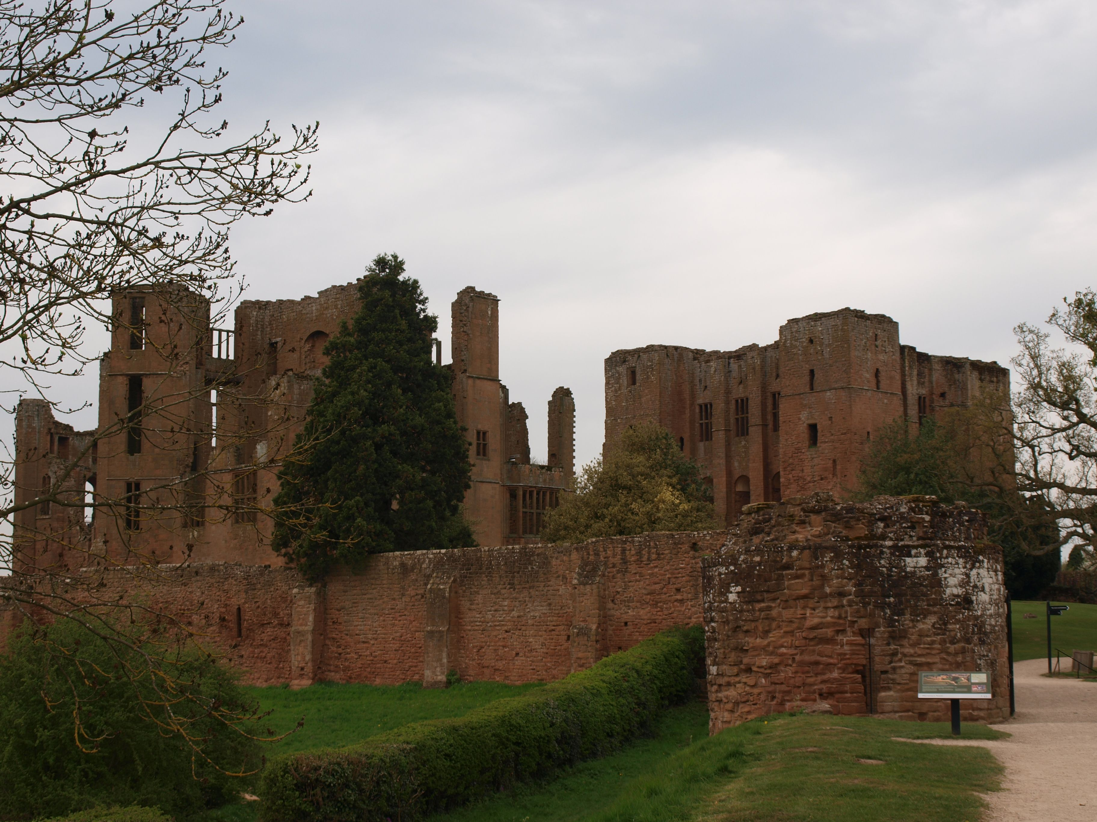 Kenilworth Castle from south-east