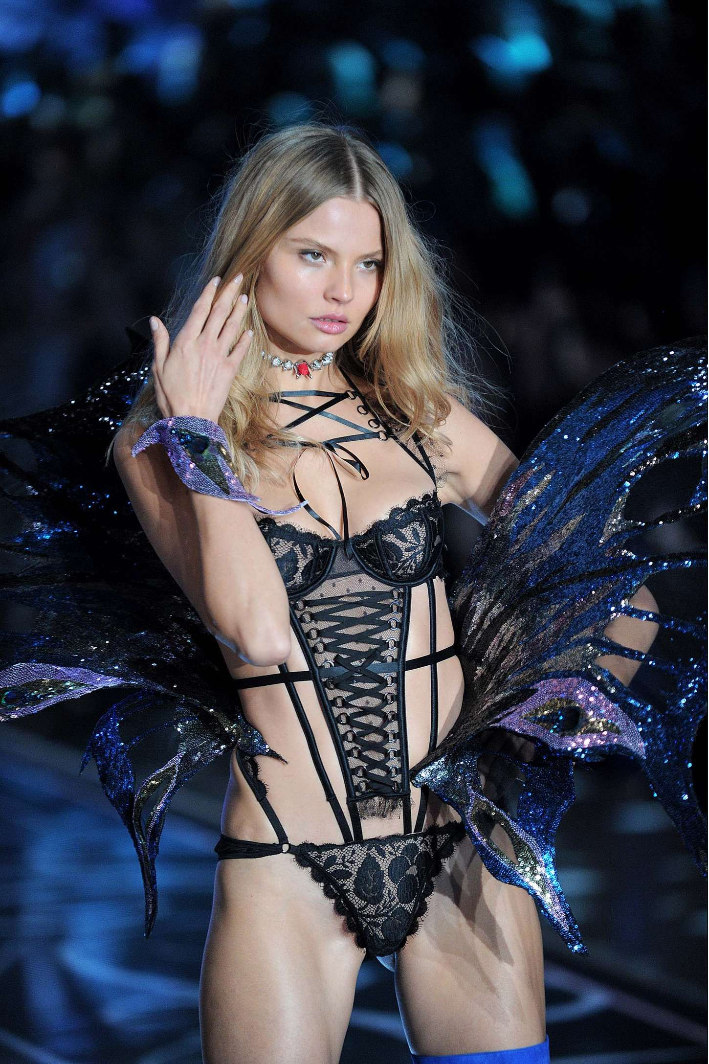 Magdalena Frackowiak Walks 2015 Victoria's Secret Fashion Show ...