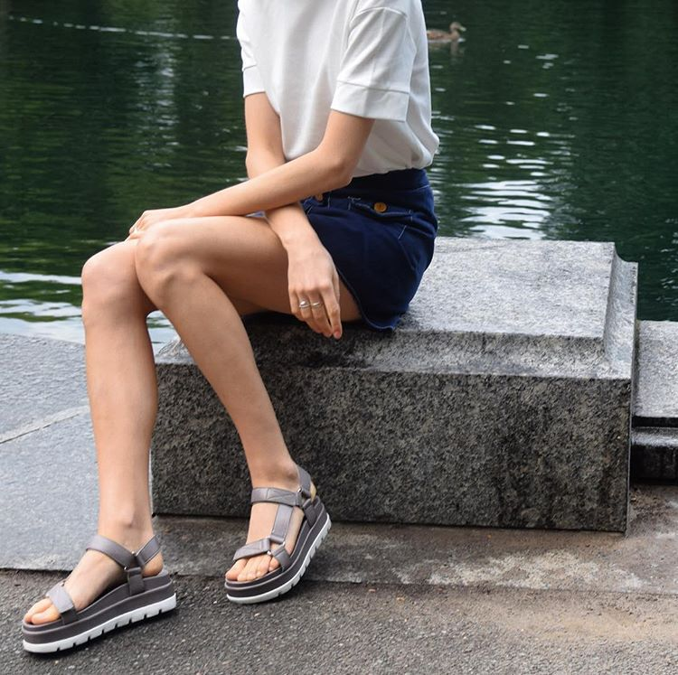 976a2b9d217 BLAKELY Grey Leather in 2019 | STREET STYLE | Grey leather, Leather ...