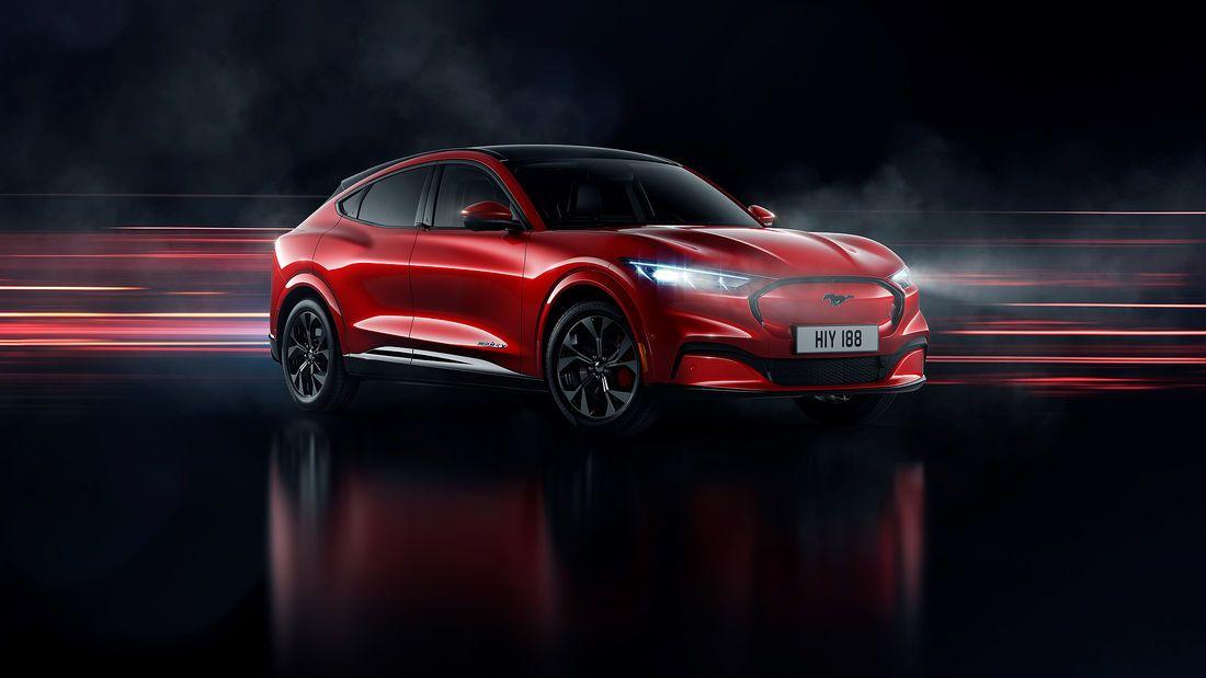 Tesla Model Y Vs Ford Mustang Mach E Die Neue Liga Der E Suv Ford Mustang New Ford Mustang Mustang