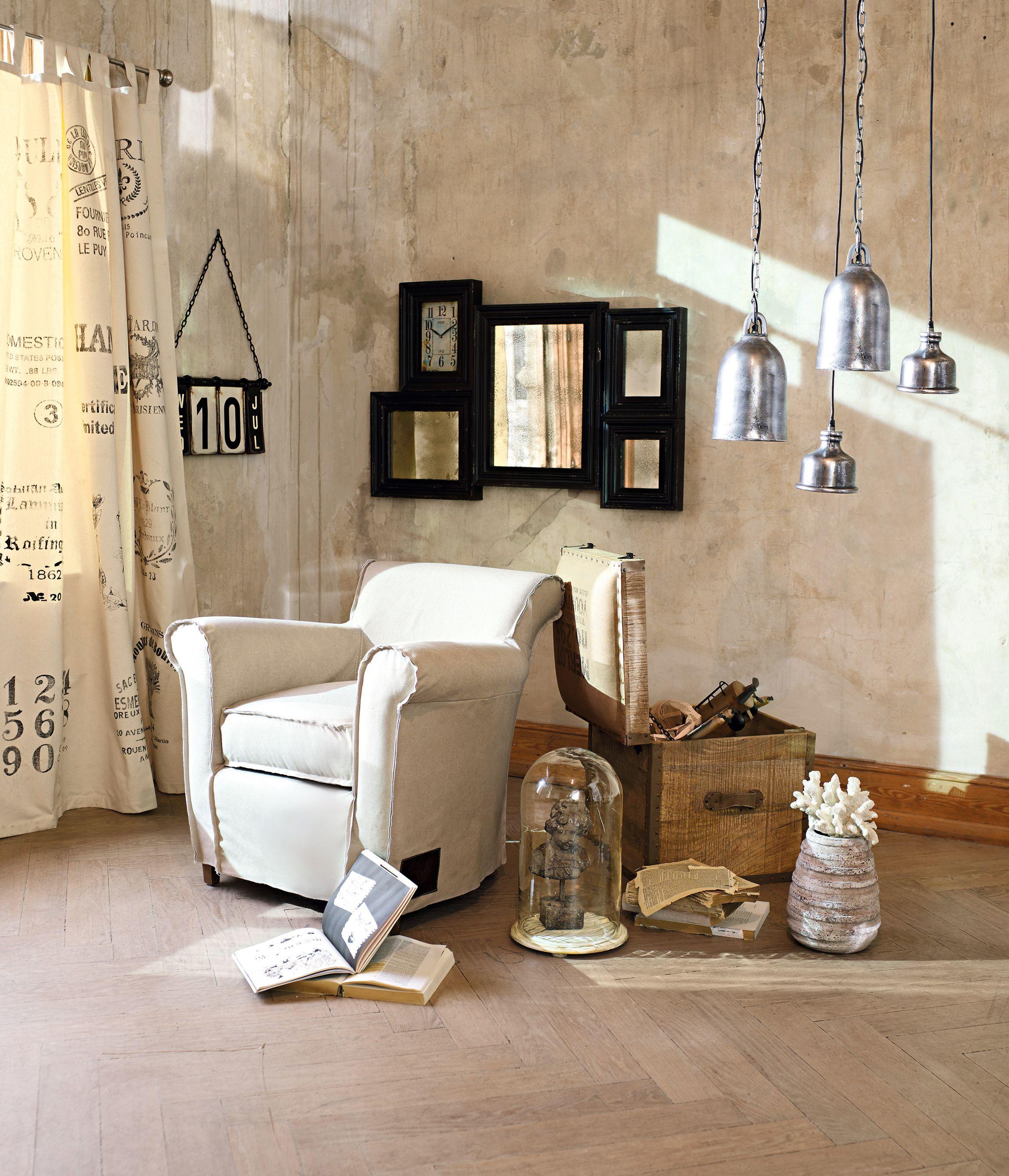 Truhe durango lampe montreal und gardine salina wohnzimmer loberon wohnen im industrial - Truhe wohnzimmer ...