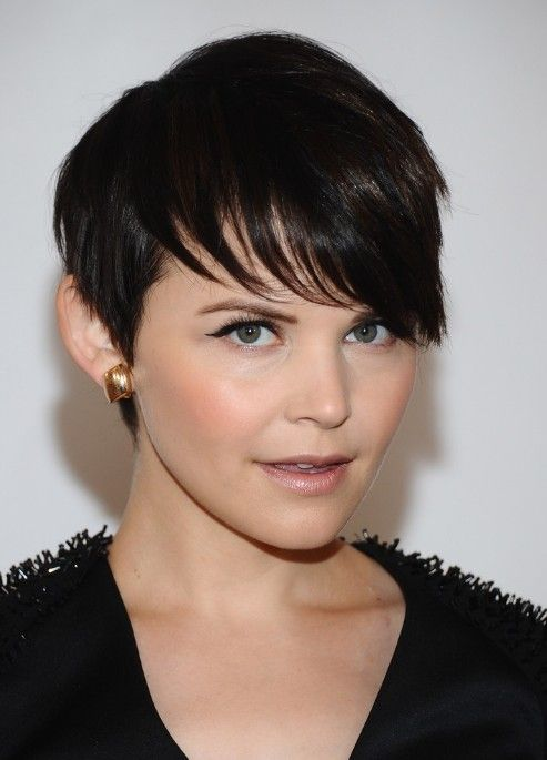 Ginnifer Goodwin Short Haircut with Bangs - Chic Short Cut for Female /Getty Images Why not find more new short haircut here: http://hairstylesweekly.com/tag/short-hairstyles-for-women/