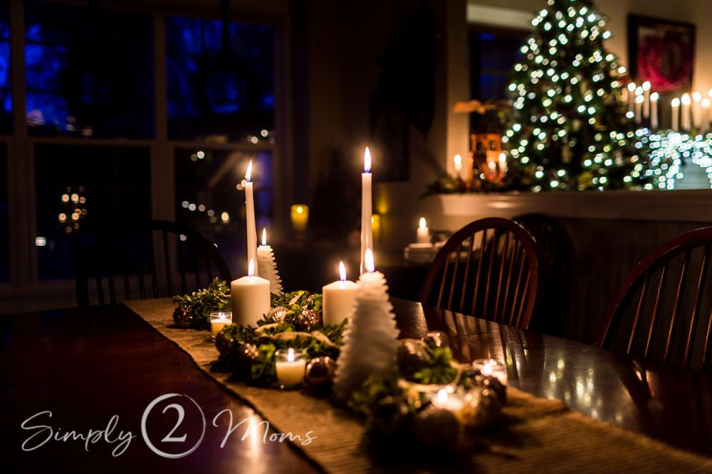 There's nothing more magical at Christmas than candlelight. Tour a classic Southern home by candlelight, all decorated for Christmas. #candlelight #christmas #traditional #decor #hometour