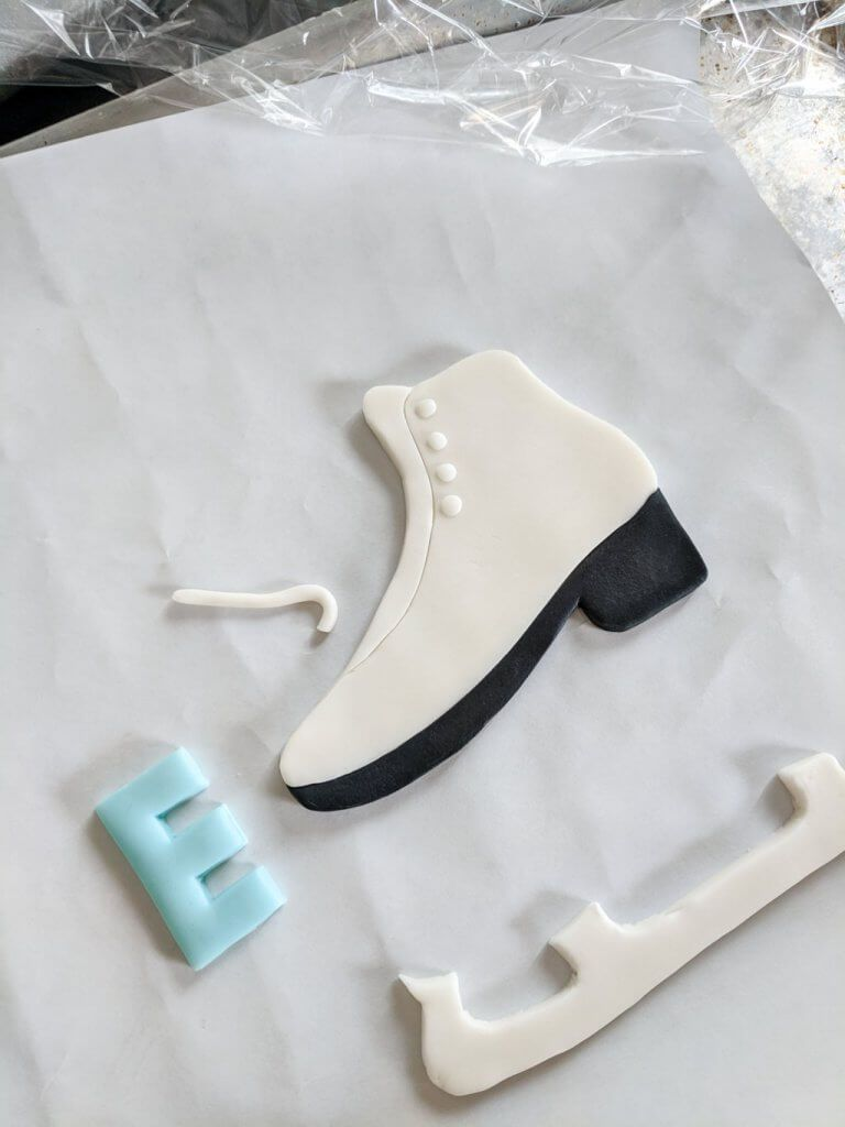 Ice Skating Cake with Ice Skate Topper Template | Ice ...