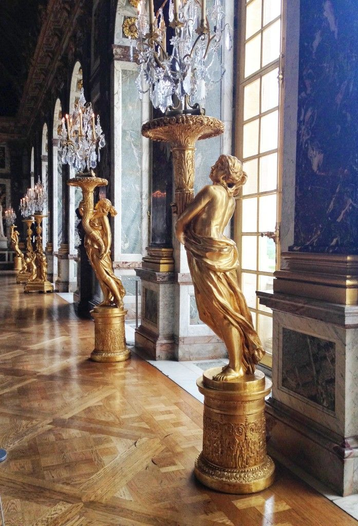 Versailles | Hall of Mirrors Statues | StyleChile