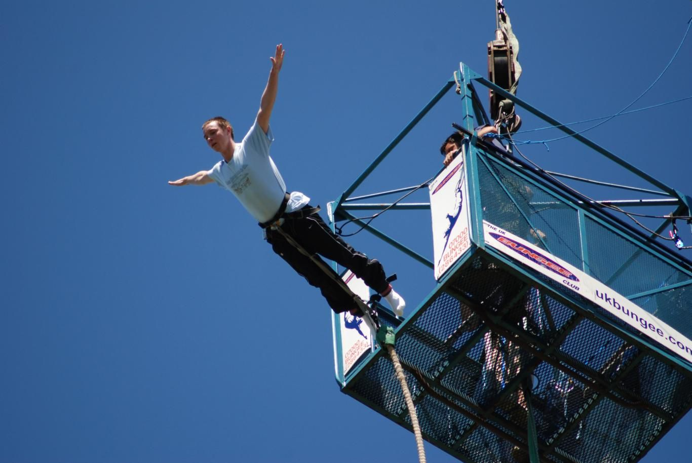 Adventurous Bungee Jumping in India >> Apart from Rishikesh, people can consider bungee jumping in many other places like Goa, Bangalore, or Lonavala. The location can be selected based on budget and time constrains.  #BungeeJumpinginIndia, #Adventurous #BungeeJumping, #365Hops