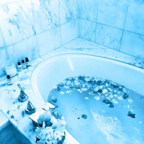 Bathtub Aesthetic Grunge