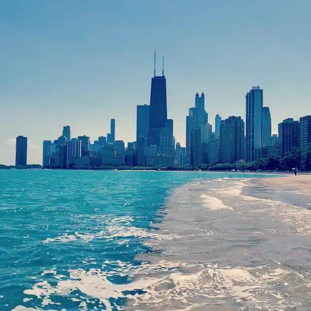 Some Chicago ASMR by @toomamyshots • • • • • #chicagoland #uchicago #chicagobucketlist #abc7chicago #windycityspinners #chicagolife #chicagoig #igchicago #ilovechicago #windycity #jj_chicagoland #illinois #trib2016 #likechicago #chigram #chicagogram #enjoyillinois #artofchi #wu_chicago #insta_chicago #midwestmoment #chitown #mychicagopix #chicity_shots #flippinchi